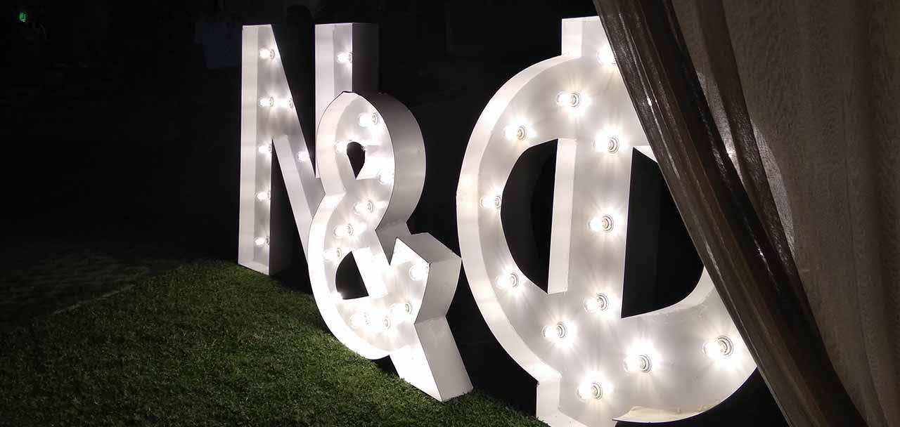 φωτιζομενα γραμματα γαμου